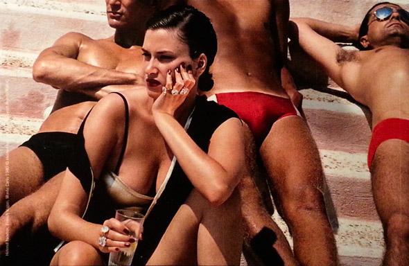 Helmut Newton, Meister der Perversion, Provokateur, berufsmäßiger Sittenstrolch, Lebemann, ewiger Junge. Und mörderisch begabter Fotograf. Er war derjenige, dem Vogue und Harper's Bazaar einige Dutzend Jahre lang aufregende Modesessions verdankten. […]