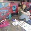 Młody, zdolny, inteligentny. Kto? Stach Szumski, znany w środowisku graffiti jako Szum. Poza tym, że lubi zaanektować ścianę, maluje obrazy, rysuje. Ma swój świat bohaterów, symboli, artefaktów. Ostatnio trawi propagandę […]