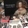 """To taka parafraza powiedzenia """"Bóg jest Hiszpanem"""". W muzeum Prado trwa właśnie wystawa portretów rodziny królewskiej Filipa IV pędzla mistrza Velazqueza. Nie była to najszczęśliwsza rodzina, ani najpiękniejsza. Liczne małżeństwa […]"""